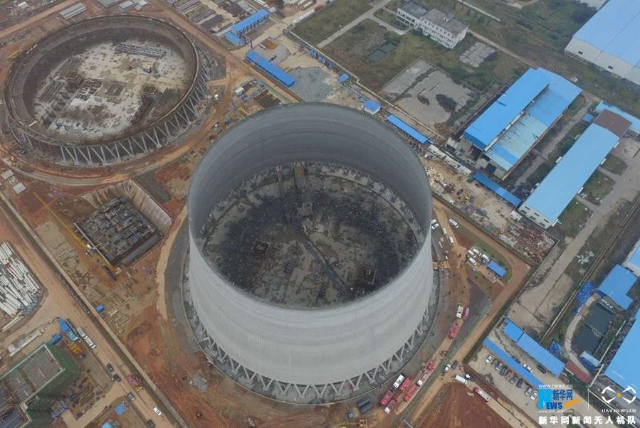 江西丰城电厂施工平台发生倒塌事故(组图)