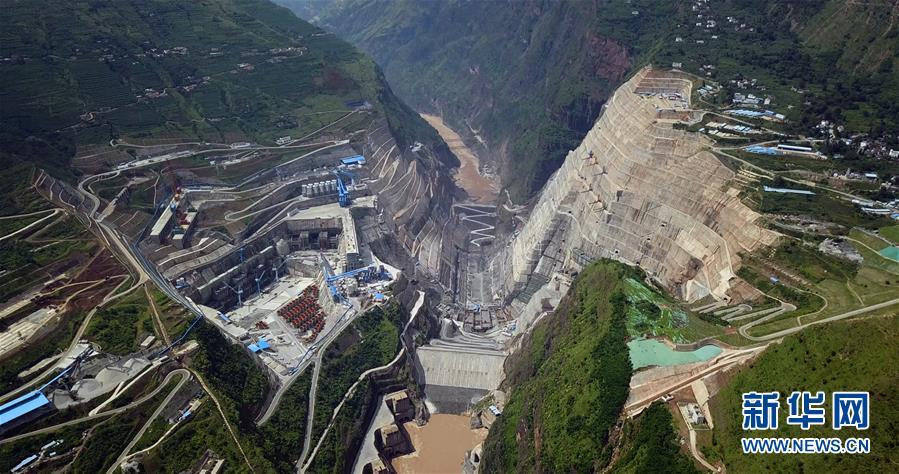 白鹤滩水电站建设工地(7月27日摄) /图片