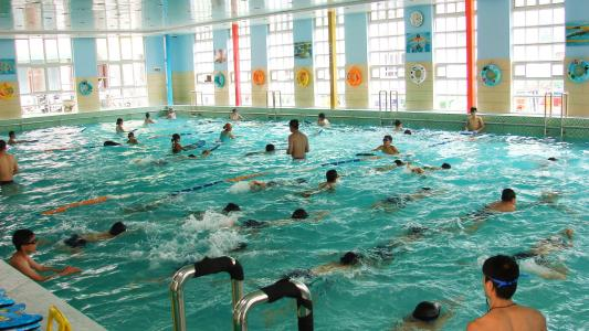 教育部:要求游泳没有将统一纳入中考体育科目女子花样滑冰3周半图片