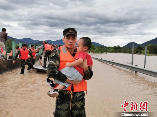 """浙江临海古城""""告急"""":流域性洪水致城区积水严重(图)"""