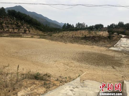合作赚钱:重庆17个区县遭受旱灾 局部地区严重缺水