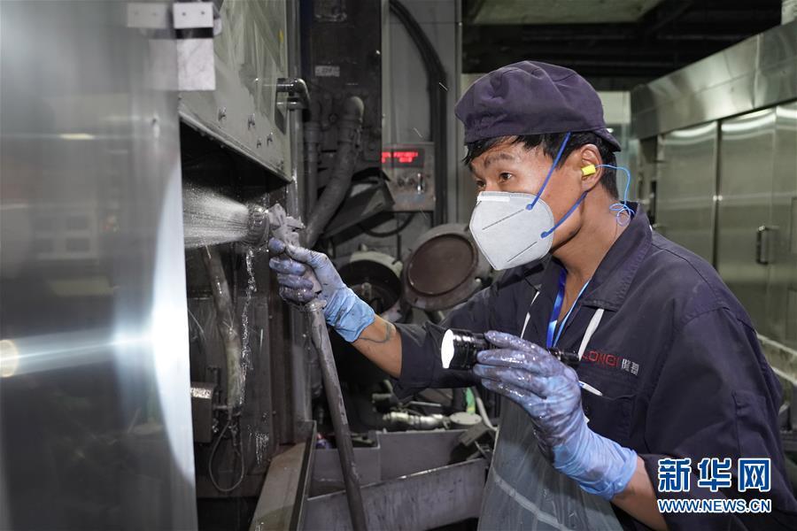 西安:职业技能竞赛引入硬科技项目
