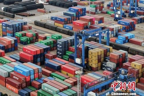 商务部:1-10月外贸发展稳中提质