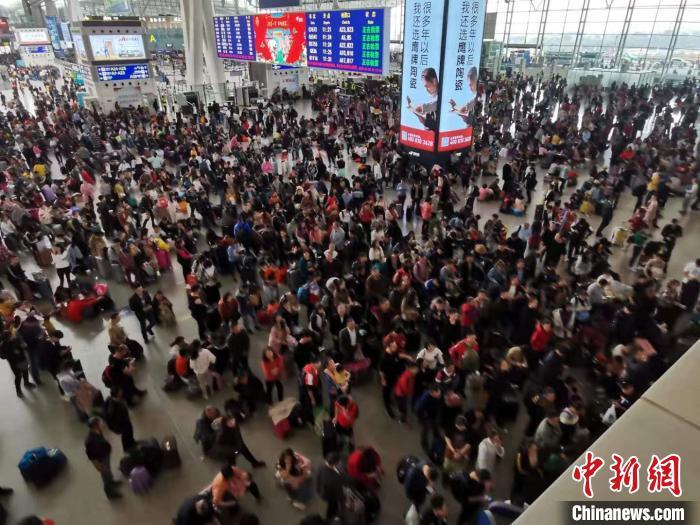 最大程度方便广大学生旅客就近购取车票