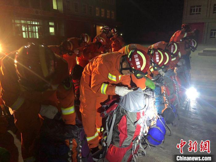 新疆柯坪深夜发生5.2级地震 救援人员已赶往震中(图)